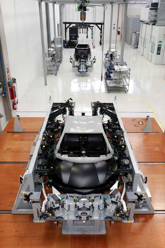Lamborghini-Factory-2.jpg