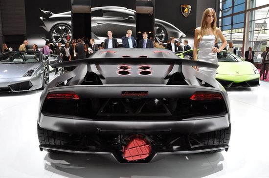 Lamborghini Sesto Elemento Concept 4