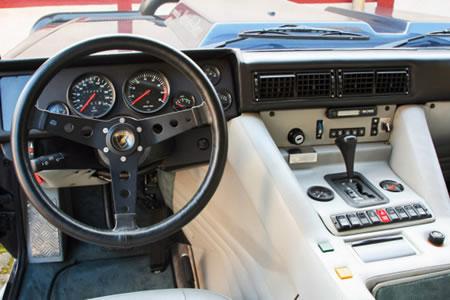 Lamborghini_LM_002_7.jpg