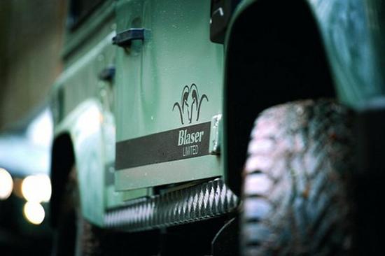 Land-Rover-Defender-Blaser-3.jpg