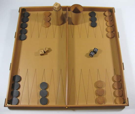 Leather_Backgammon-set-3.jpg
