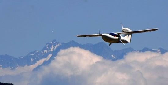 Lisa-Akoya-Amphibious-Sports-Plane4.jpg