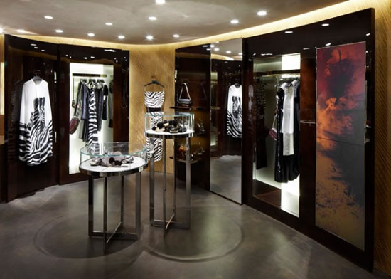 Louis-Vuitton-Cannes-Pop-Up-Store-7.jpg
