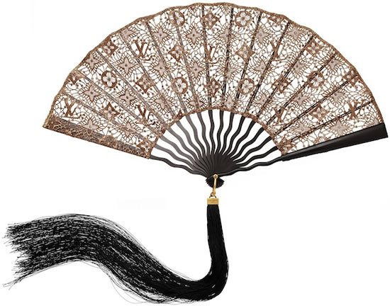 Louis Vuitton Chinoiserie Fan and Minaudières raise the fashion fever in 2011