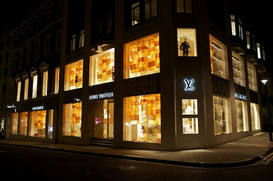 Louis-Vuitton-celebrates-Diwali-6.jpg