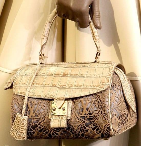 Louis-Vuitton-fall-winter-2010-bags3.jpg
