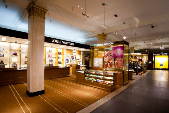 Louis-Vuitton-store-Harrods-6.jpg