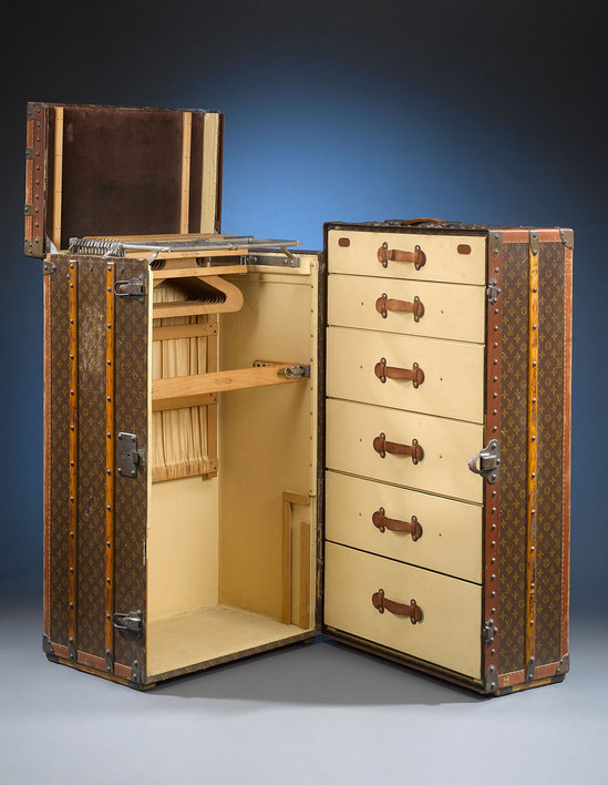 Louis-Vuitton's-vintage-wardrobe-trunk-2.jpg