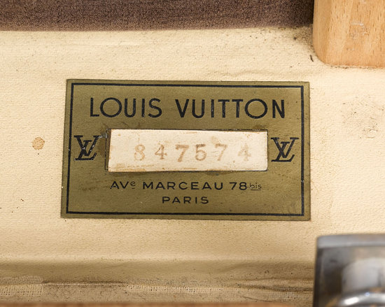 Louis-Vuitton's-vintage-wardrobe-trunk-4.jpg