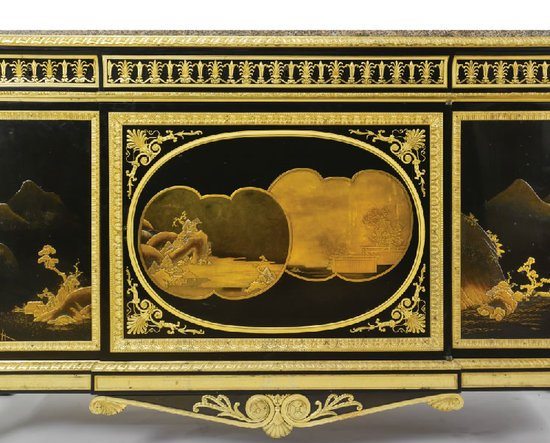 Louis-XV-lacquer-Commode-3.jpg