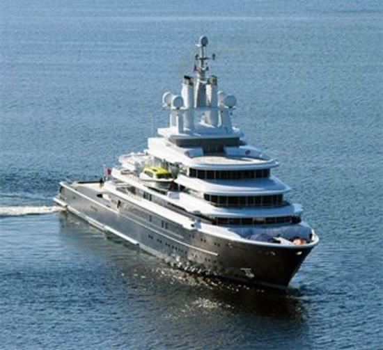 world u0026 39 s largest expedition motor yacht luna finds a new owner in roman abramovich