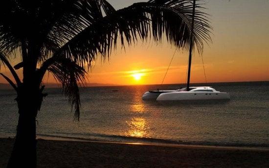 MC-²-60-luxury-speed-catamaran3.jpg