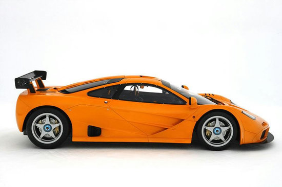 McLaren-F1-LM-1-8-scaled-model-2.jpg