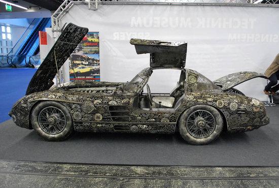 Mercedes-Benz-300SL-Gullwing-3.jpg