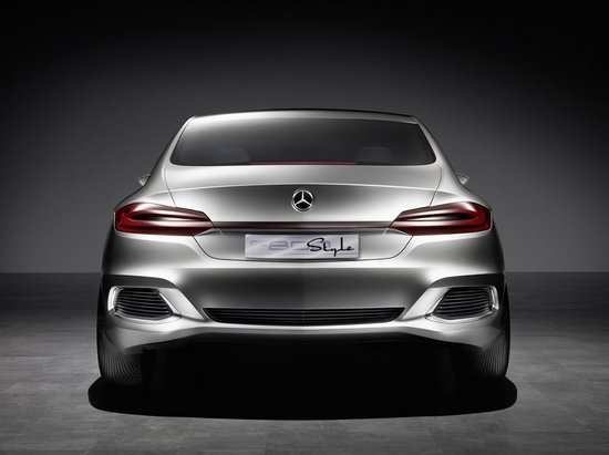 Mercedes-Benz-F800-Style-4.jpg