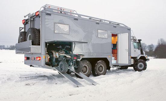 Mercedes-Benz-Zestros-6X6-RV-Truck-4.jpg