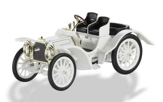 Mercedes-Benz-celebrates-125-Birthday-2.jpg