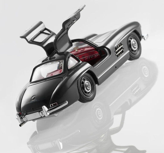 Mercedes Benz celebrates its 125th birthday with limited edition Scale Models of rare cars