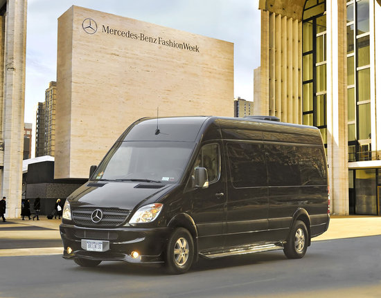 Rent a mercedes sprinter brilliant van for more space and for Mercedes benz sprinter rental nyc