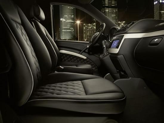 Mercedes-Benz_Viano_Vision_Diamond_3.jpg