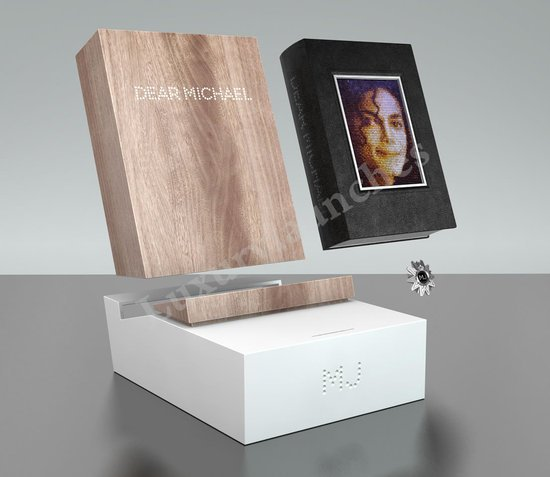 Michael-Jackson-Book-Monument-2.jpg