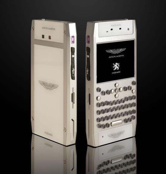 Mobiado_Grand-350-Aston-Martin-cellphone-4.jpg