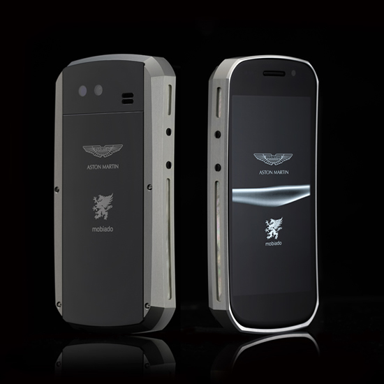Mobiado_Grand_Touch_Aston_Martin_phone_Silver_BB.JPG