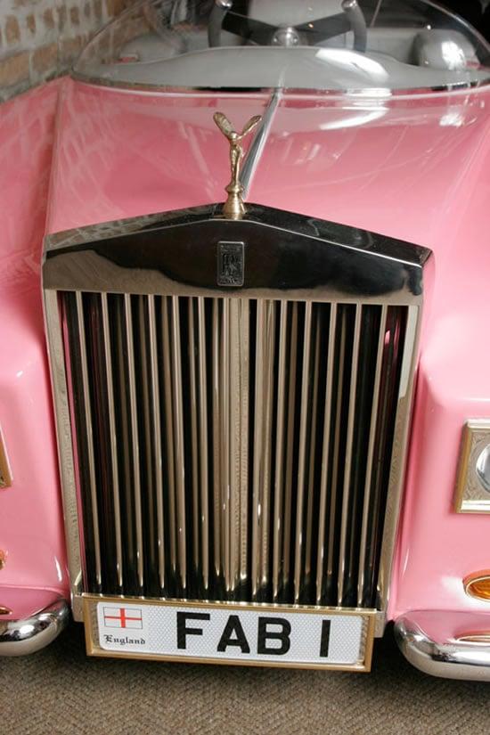 Model-of-Lady-Penelope-of-Thunderbirds-FAB1-Rolls-Royce-3.jpg