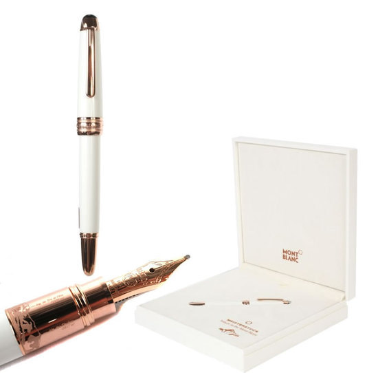 Montblanc_white_collection_of_the_Meisterstück_1.jpg