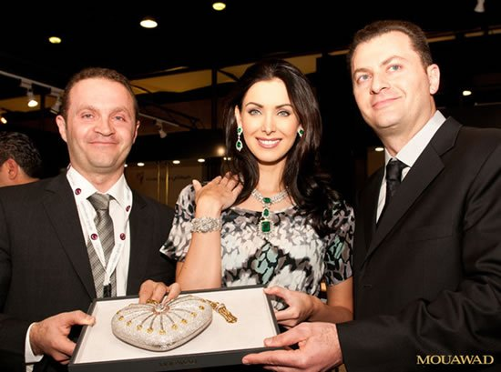 Mouawad_Snow_White_Princess_Diamond_Watch_Pascal_Natalie_Fred.jpg