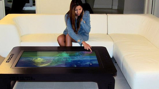 Mozayo-multi-touch-tables-5.jpg