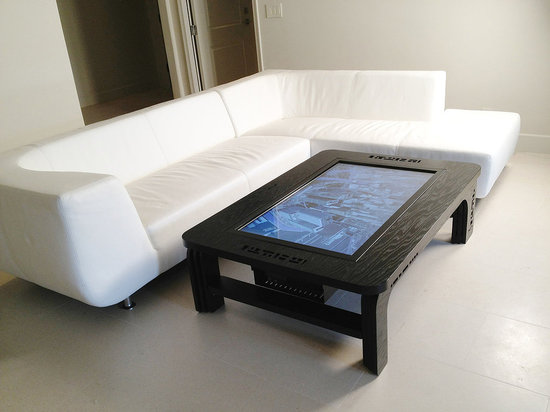 Mozayo-multi-touch-tables-6.jpg