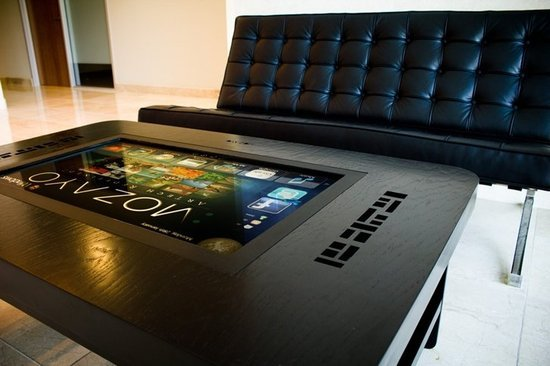 Mozayo-multi-touch-tables-8.jpg