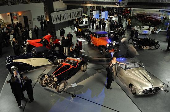 Mullin-Automotive-Museum-2.jpg