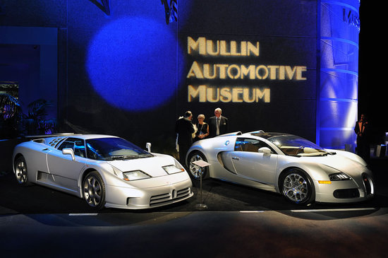 Mullin-Automotive-Museum-4.jpg