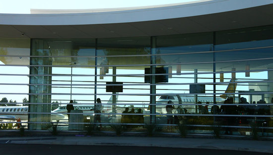 NetJets_Los_Angeles_Airport_1.jpg