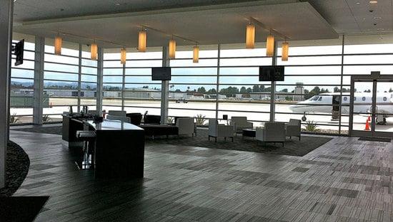 NetJets_Los_Angeles_Airport_3.jpg