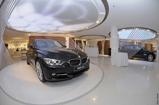 New-BMW-Brand-Store-opens-up-in-Paris-4.jpg
