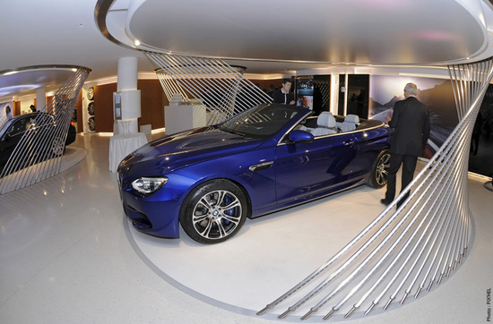 New-BMW-Brand-Store-opens-up-in-Paris-5.jpg