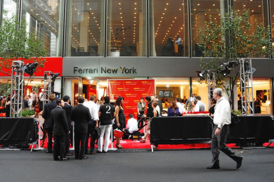 New-York-Ferrari-Store-2.jpg