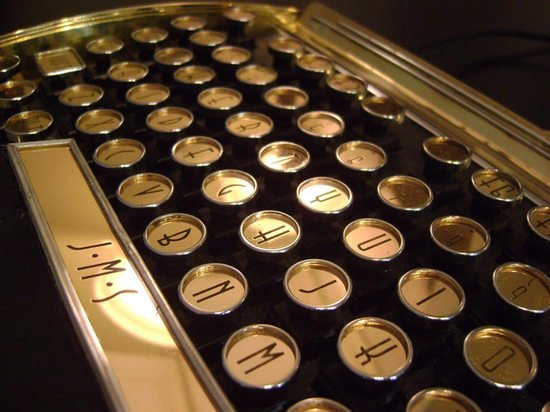 New-Yorker-Art-Deco-Keyboard-5.jpg