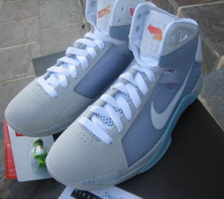 Nike_basketball_sneakers_5.jpg