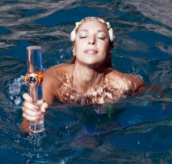 Omegas-Seamaster-Planet-Ocean-in-Capri-3.jpg