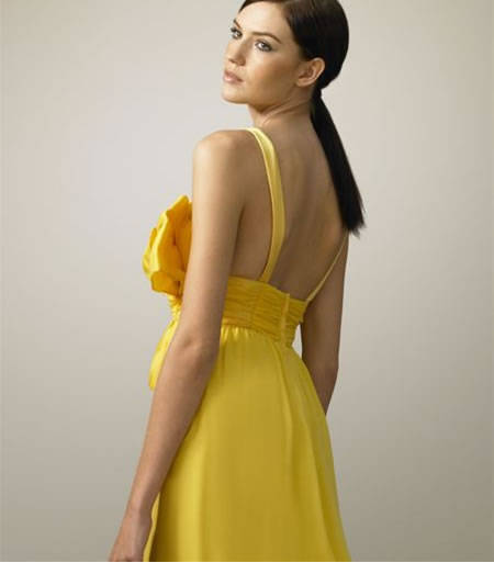 Oversized-Bow_Gown_2.jpg