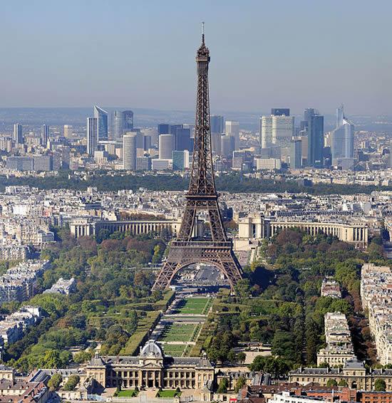 Paris_-_Eiffelturm.jpg