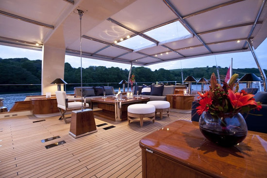 Pendennis-Akalam-yacht-3.jpg