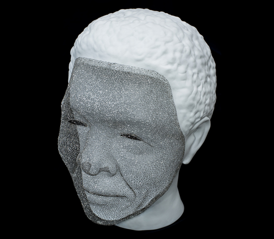 Platinum-wire-Mandela-sculpture-1.jpg