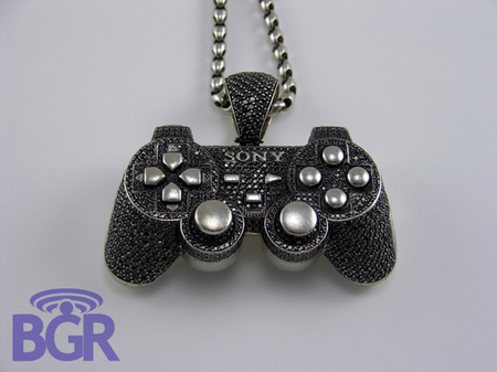 Playstation_Pendant_2.jpg