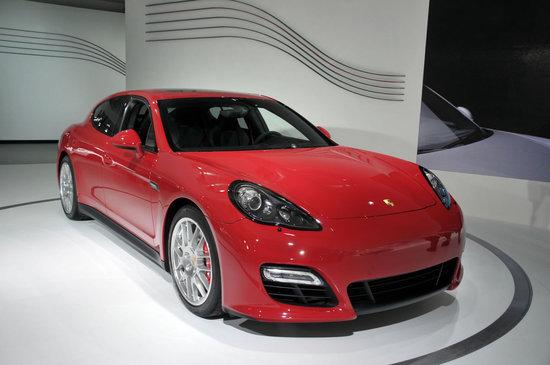 Porsche-Panamera-Gran-Turismo-Sport-1.jpg