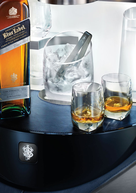 Private-Bar-By-Porsche-Design-For-Johnnie-Walker-Blue-Label-5.jpg